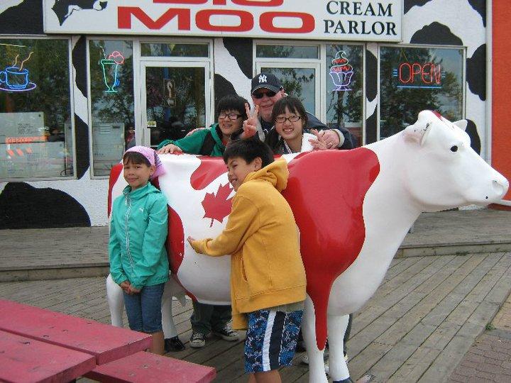 Visiting-Ice-Cream-Parlor-in-Sylvan-Lake